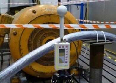 Badanie zakłóceń emitowanych przez kabel zasilający silnik z falownika